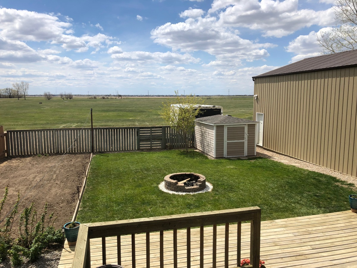 House For Sale in Weyburn, SK - 4 bed, 3 bath
