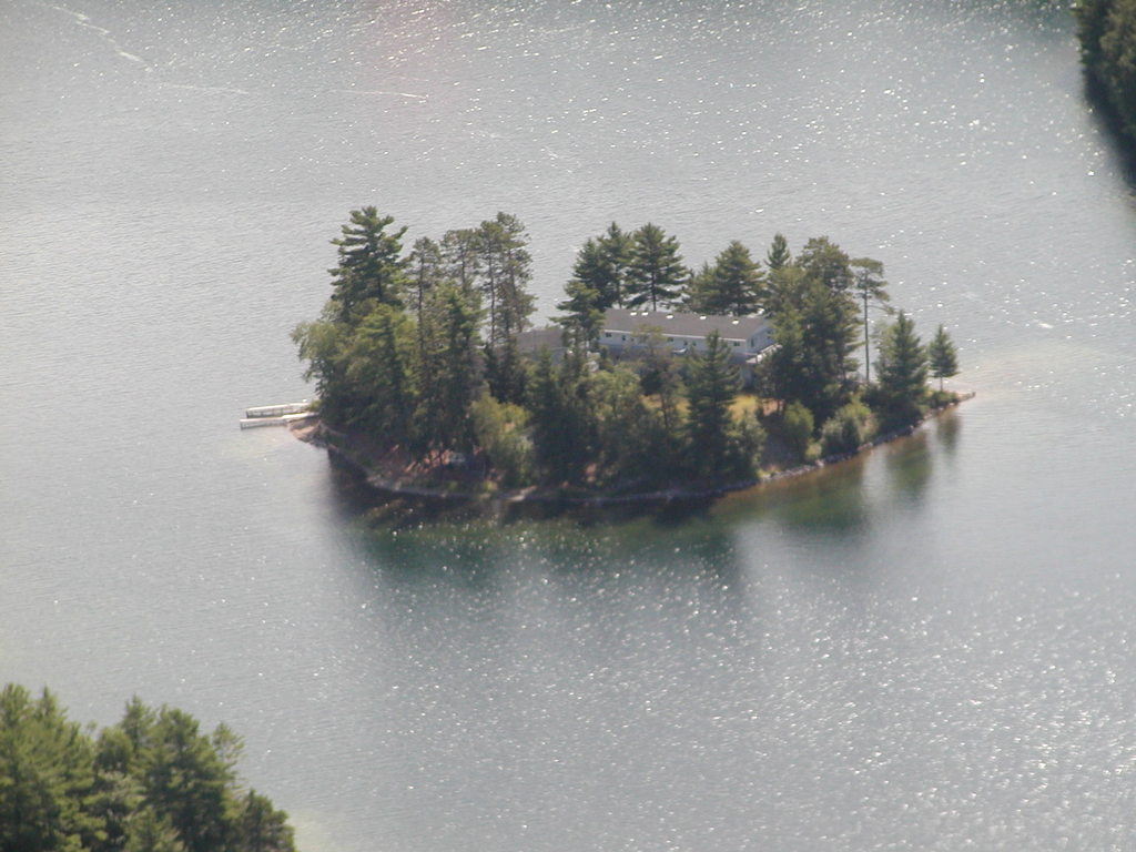 Island / Acreage / Island with Building(s) / Recreational Property / Waterfront Property For Sale in Blind River, ON - 6+2 bed, 7 bath