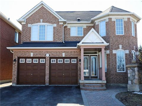 House / Duplex For Sale in Brampton, ON - 4+2 bed, 3.5 bath
