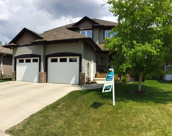 House For Sale in Red Deer, AB - 4 bed, 3.5 bath