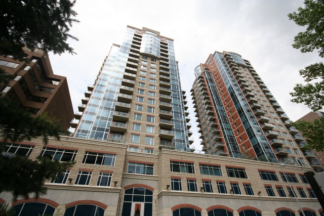 Condo / Apartment For Sale in Calgary, AB - 2 bed, 2 bath