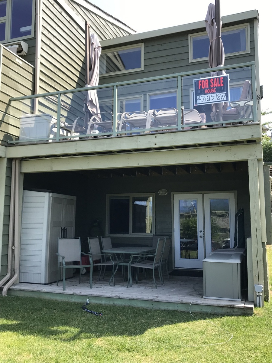 Condo / Recreational Property / Townhouse / Waterfront Property For Sale in Invermere, BC - 4 bed, 2 bath