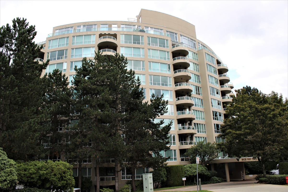Condo / Apartment For Sale in North Vancouver, BC - 2 bed, 2 bath