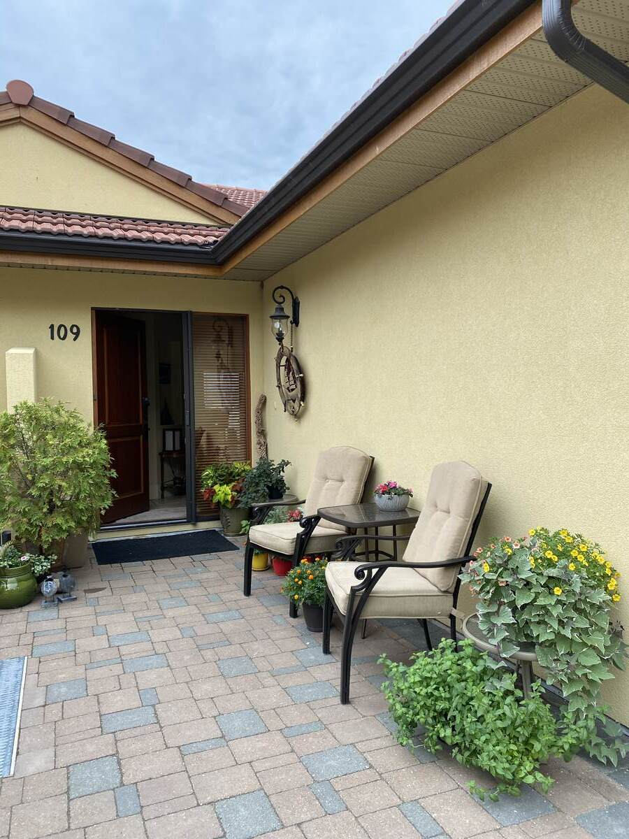 Condo / Half Duplex For Sale in Summerland, BC - 2 bed, 2 bath