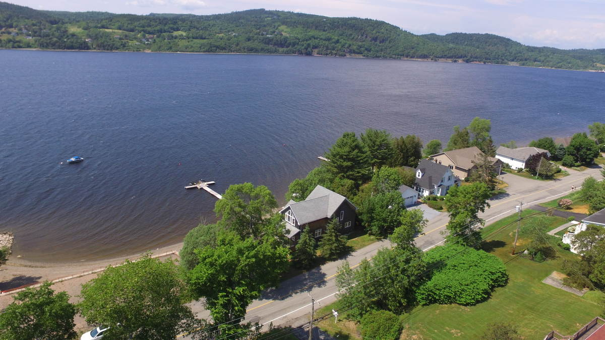 Waterfront Property / House / Revenue Property For Sale in Quispamsis, NB - 3+1 bed, 2.5 bath