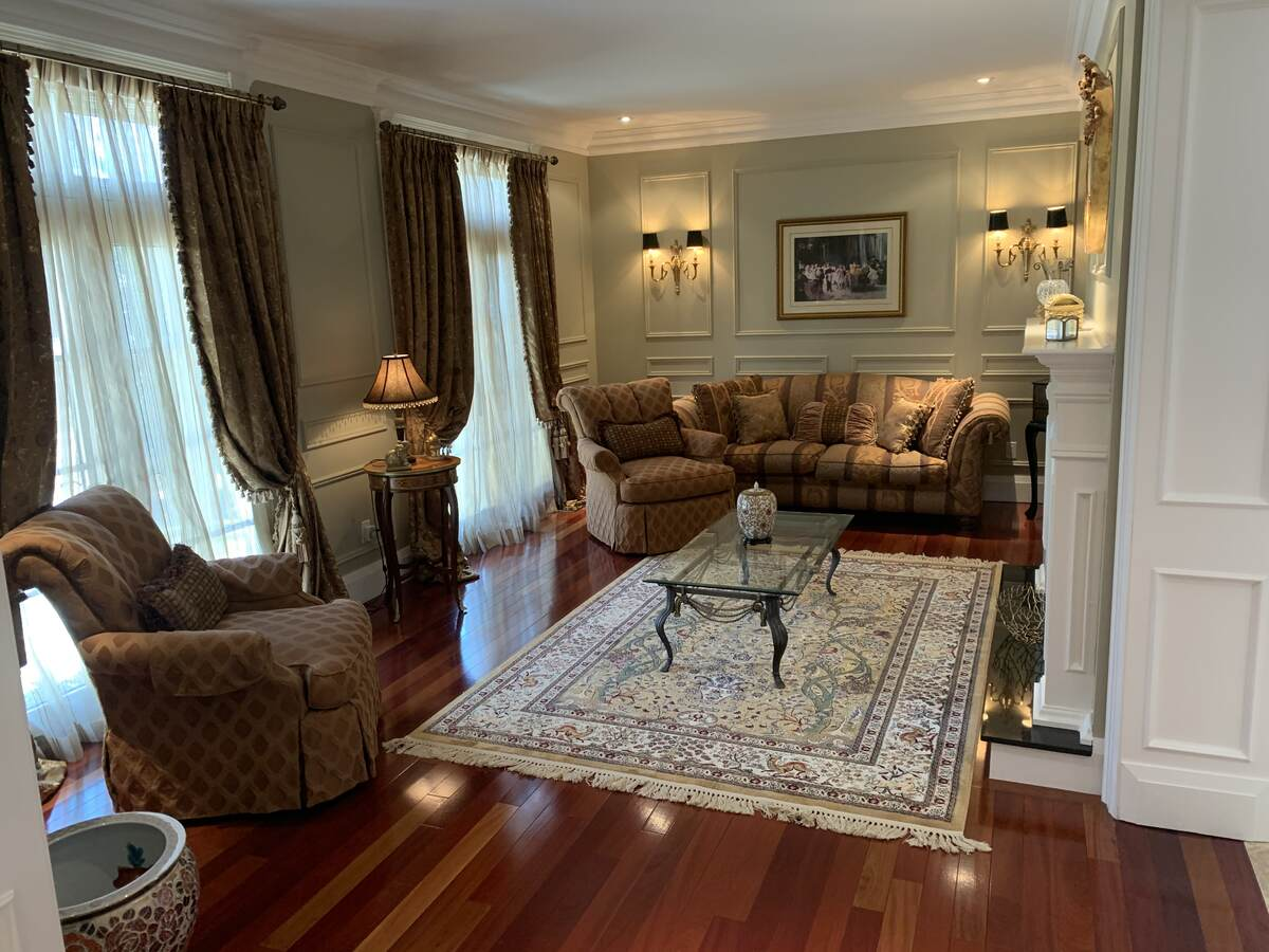 House For Sale in Mississauga, ON - 5 bed, 7 bath