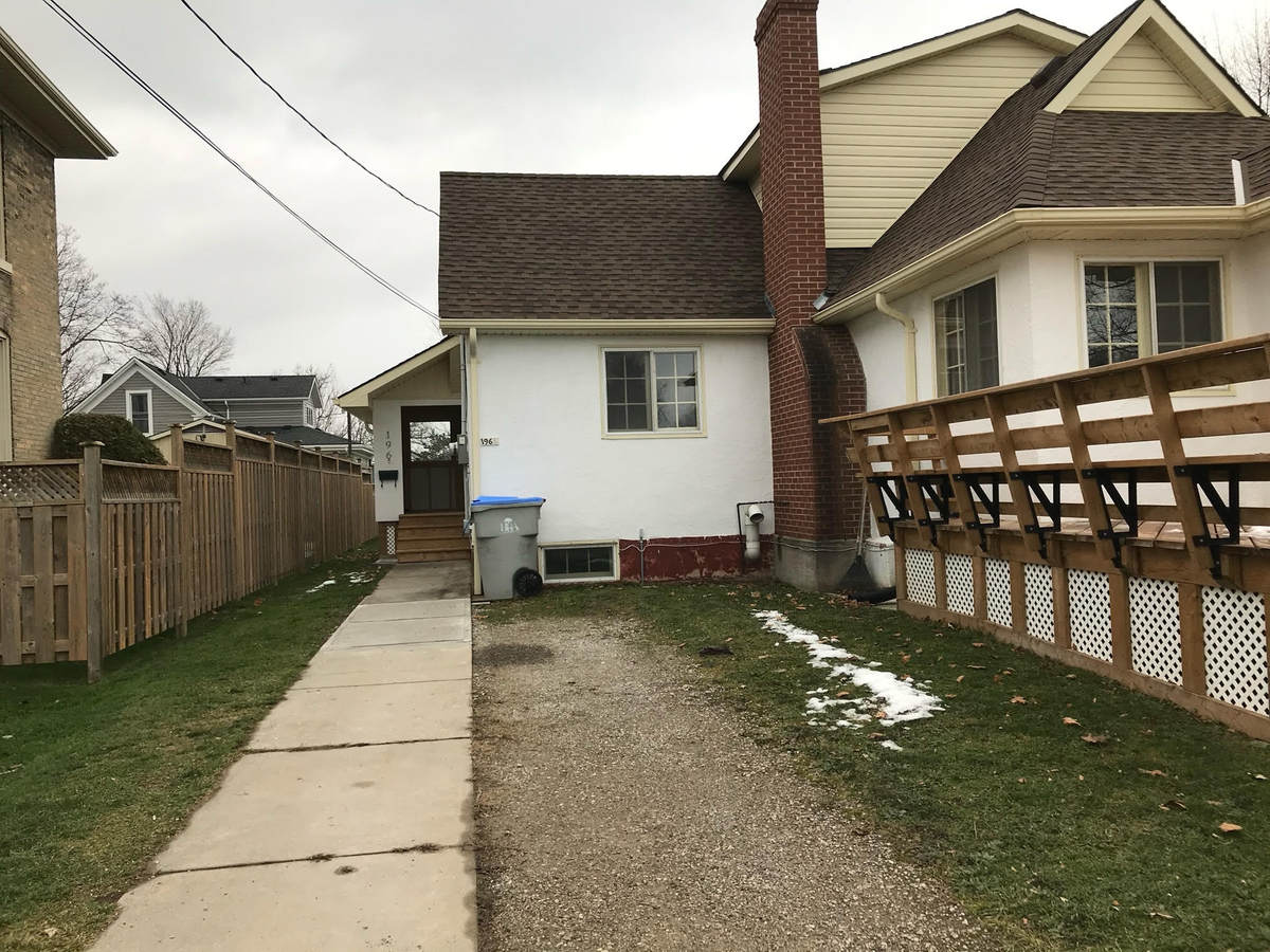Duplex For Sale in Goderich, ON - 3+2 bed, 2 bath