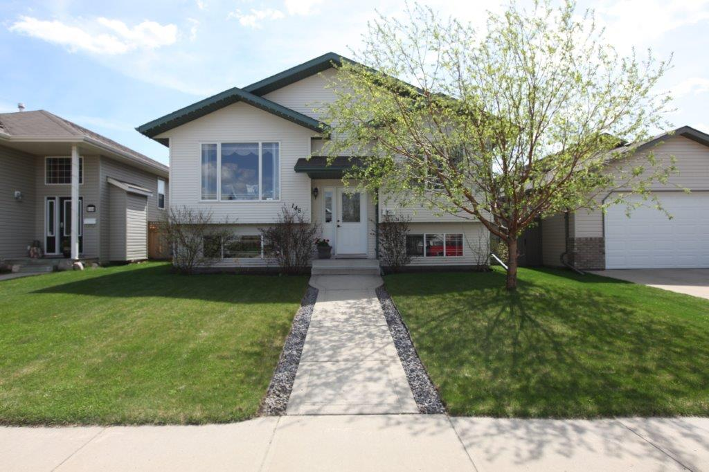 House For Sale in Red Deer, AB - 5+1 bed, 3 bath