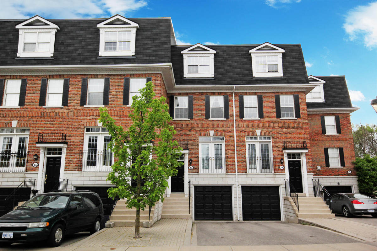 Townhouse For Rent in Richmond Hill, ON - 3 bed, 3 bath
