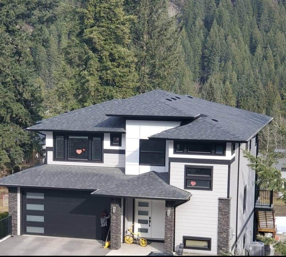 House For Sale in Blind Bay, BC - 4+2 bed, 3.5 bath