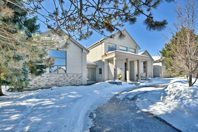 House / Detached House / Home-Based Business Potential For Sale in Blue Mountains, ON - 4 bed, 4.5 bath