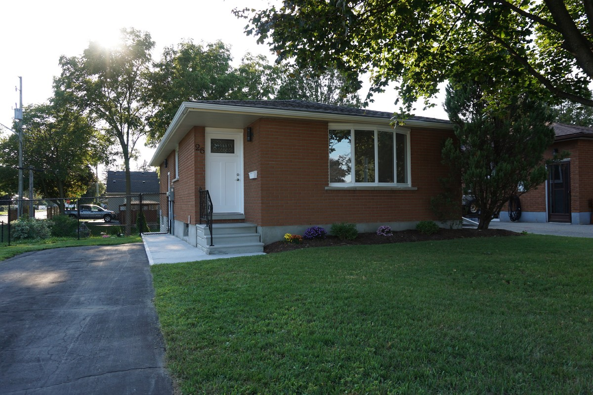 House For Sale in Cambridge, ON - 3 bed, 1 bath
