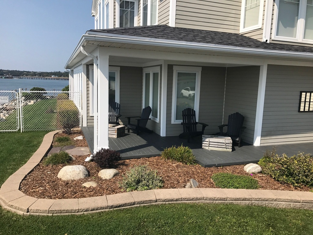 Waterfront Property / House For Sale in St. Andrews, NB - 3 bed, 2.5 bath
