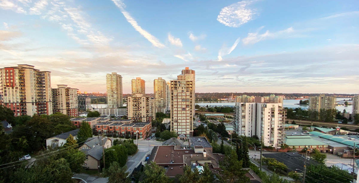 Condo / Apartment For Sale in New Westminster, BC - 2+1 bed, 2 bath