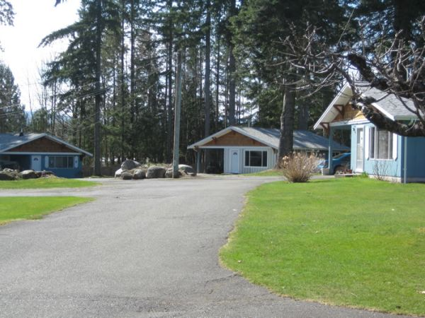 Revenue Property / Recreational Property For Sale in Campbell River, BC - 3 bed, 2 bath