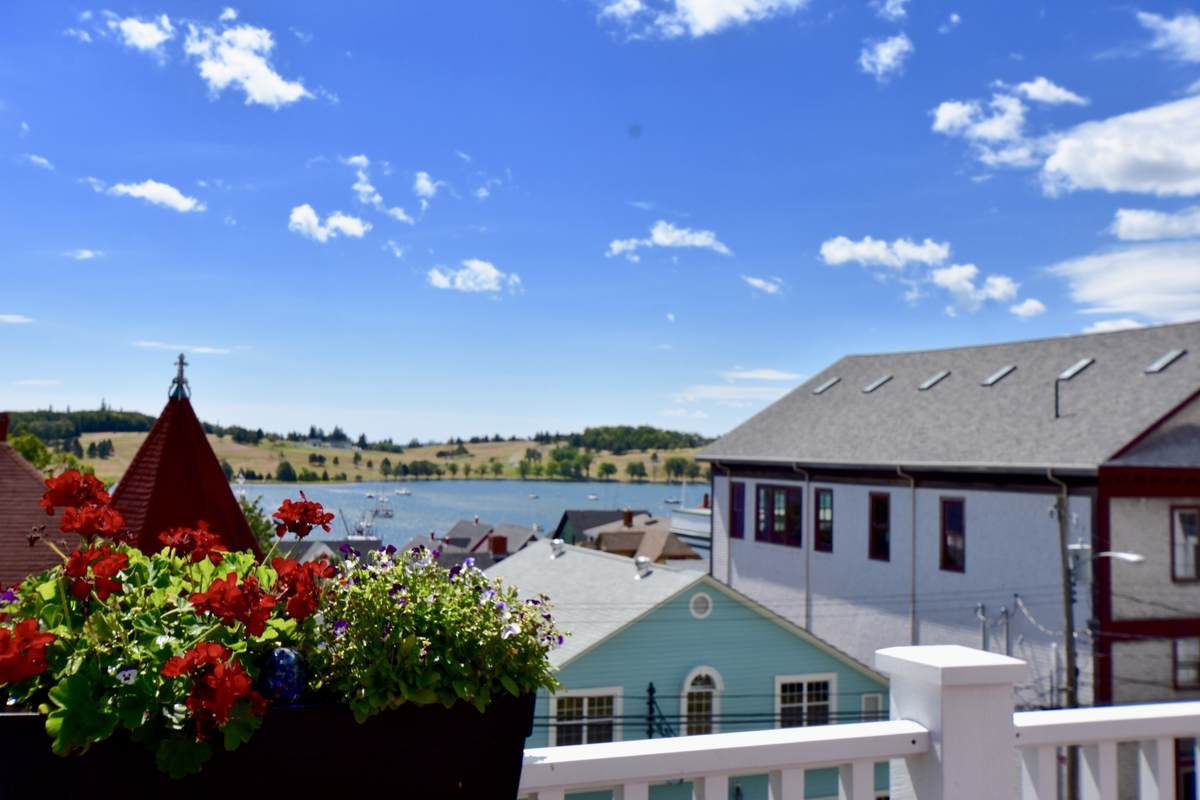 Business with Property For Sale in Lunenburg, NS - 17 bed, 20 bath