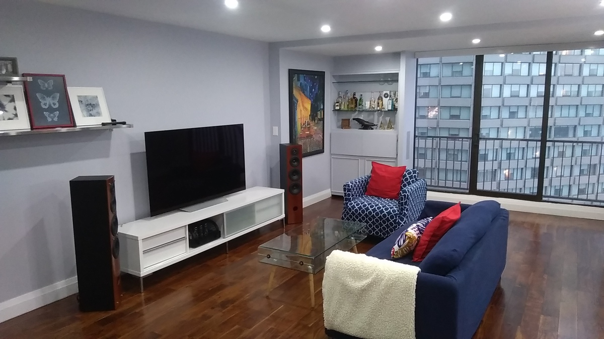 Condo / Apartment For Sale in Toronto, ON - 2 bed, 2.5 bath