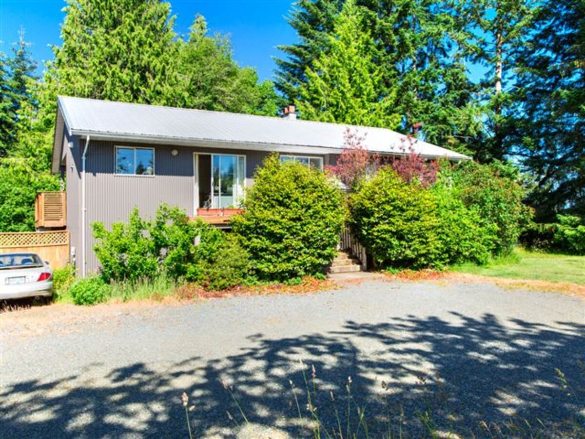 Farm / Business with Property For Sale in Cobble Hill, BC - 3 bed, 3 bath