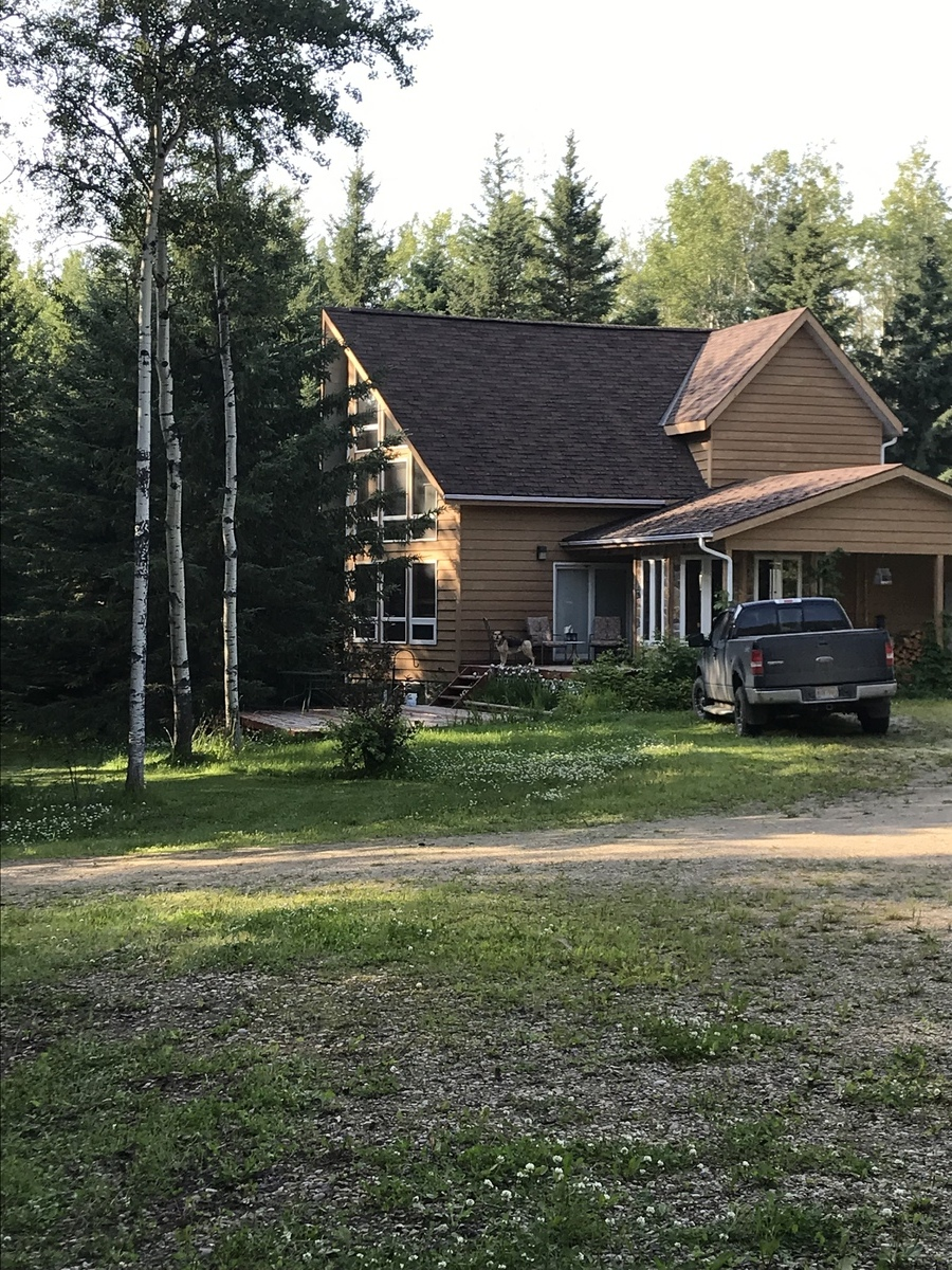 Acreage / Detached House / Land with Building(s) For Sale in County Of Grande Prairie, AB - 1+2 bed, 2.5 bath