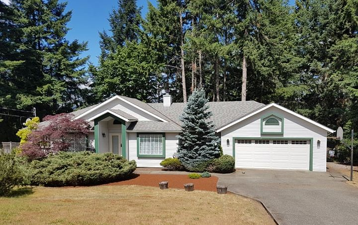 House For Sale in Duncan, BC - 3 bed, 2 bath
