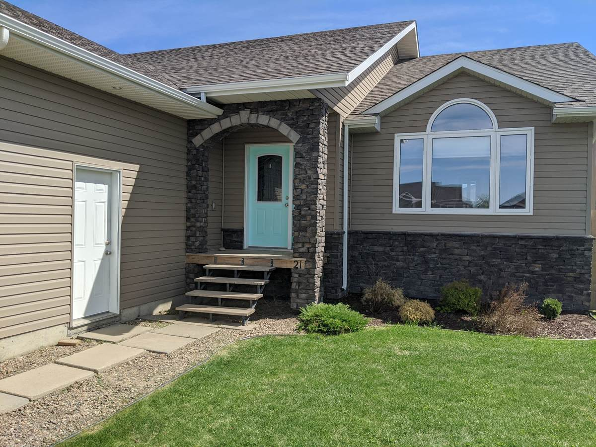 House / Detached House For Sale in Outlook, SK - 4 bed, 2 bath
