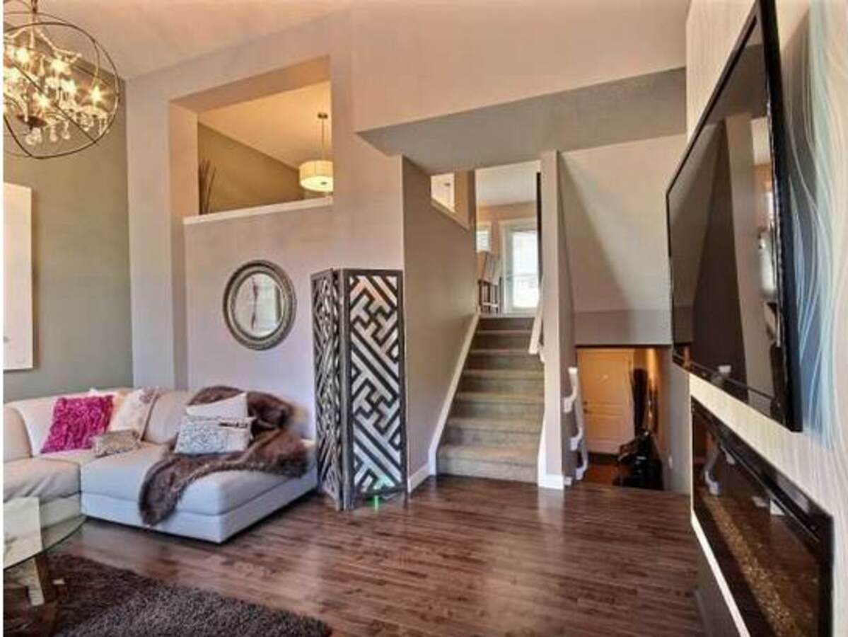 Townhouse / Condo For Sale in Calgary, AB - 2 bed, 2.5 bath