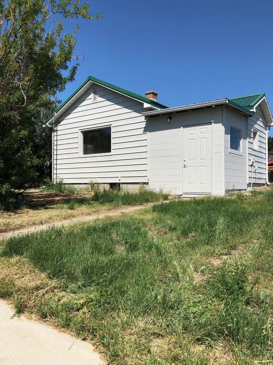 House For Sale in Lomond, AB - 1 bed, 1 bath