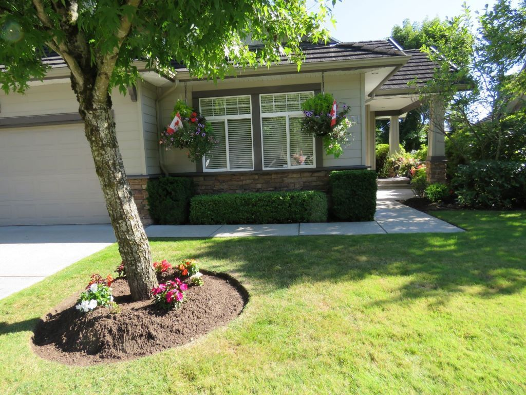 Townhouse / Half Duplex For Sale in Surrey, BC - 2 bed, 2 bath