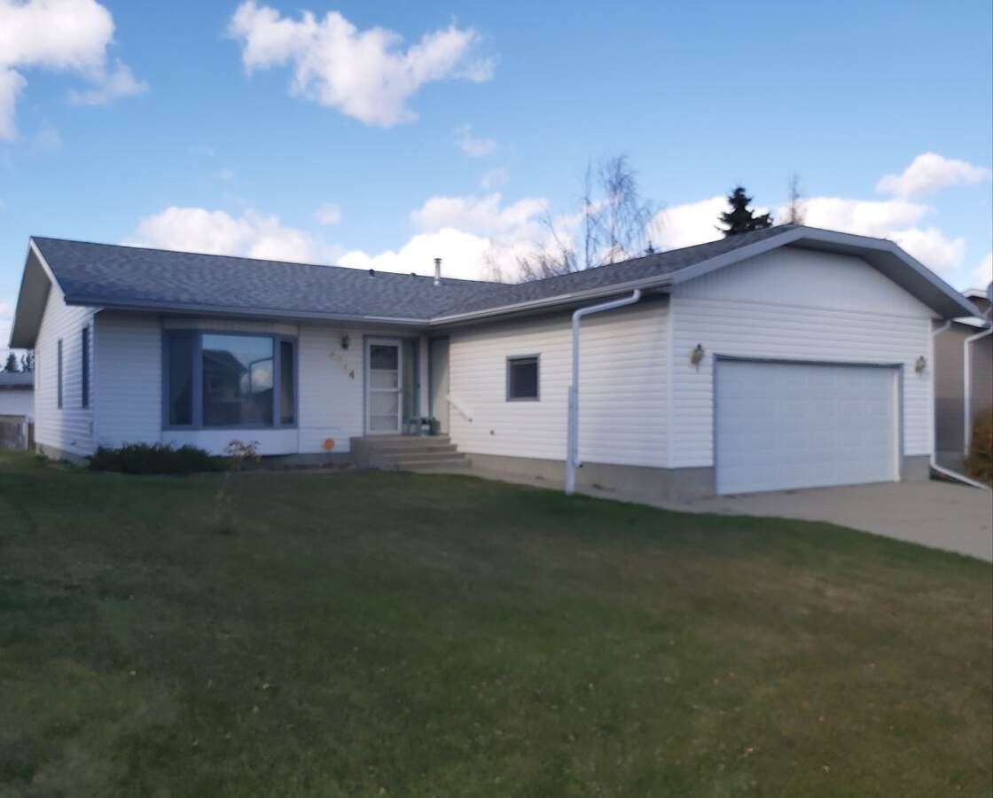 House For Sale in Mayerthorpe, AB - 3+2 bed, 3 bath