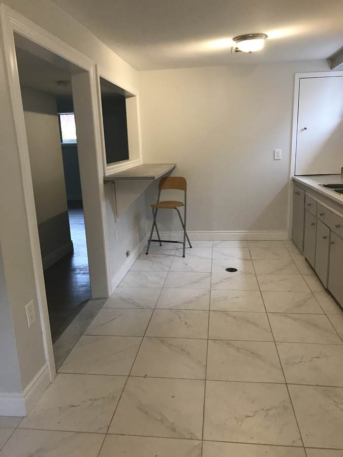 Apartment / Detached House / House For Lease in North York, ON - 2 bed, 1 bath