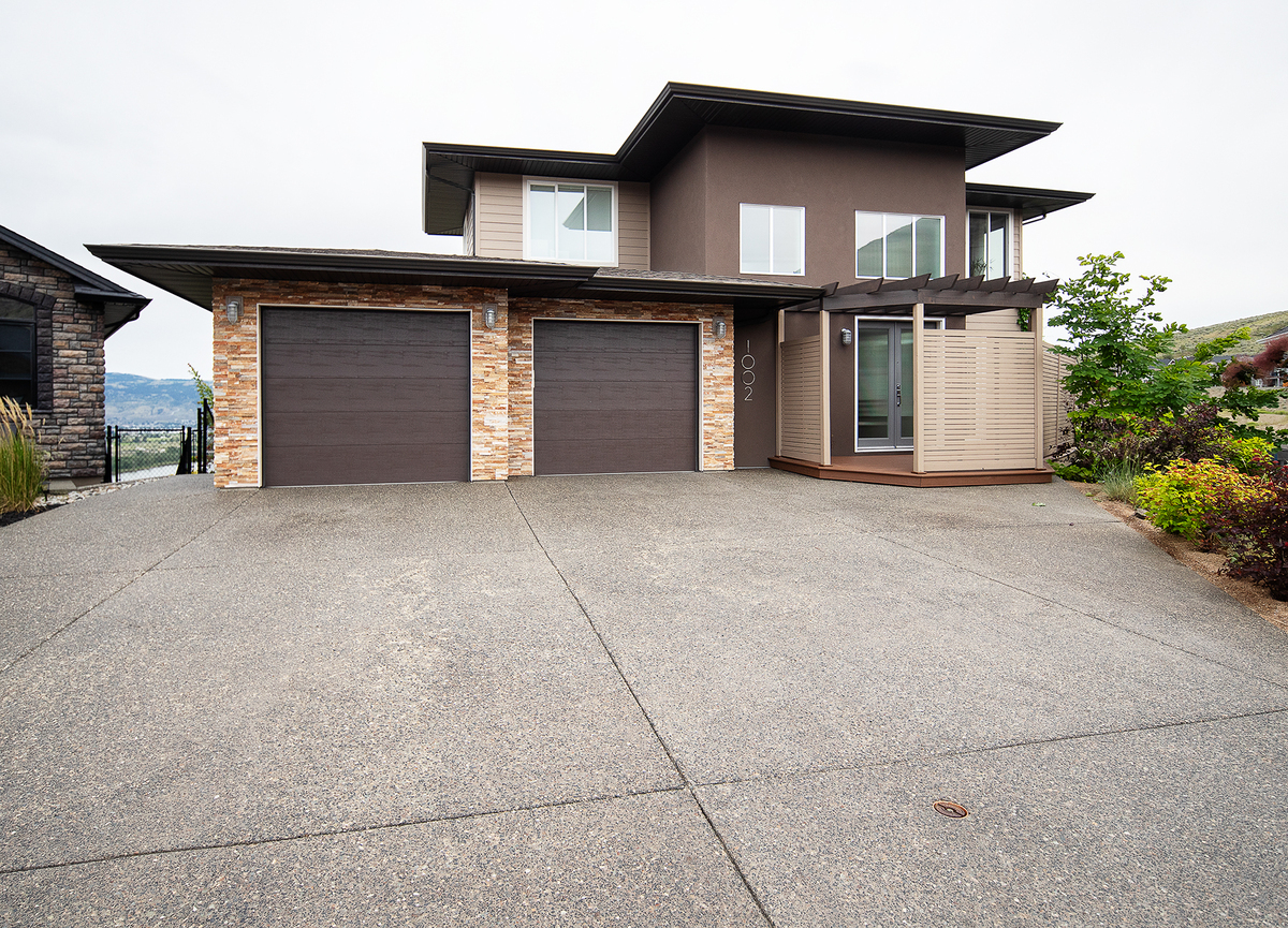 House For Sale in Kamloops, BC - 2 bed, 3 bath