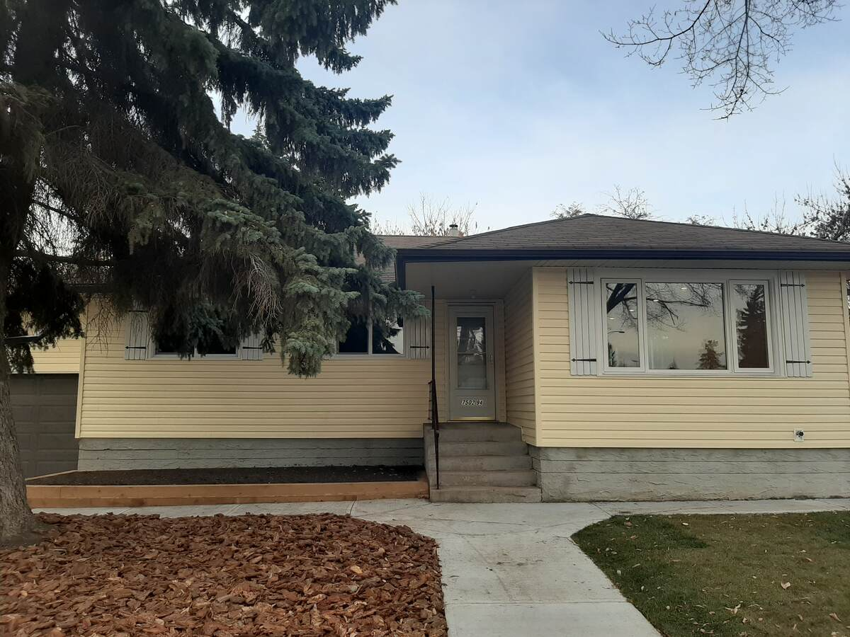 House For Sale in Edmonton, AB - 3+2 bed, 2 bath