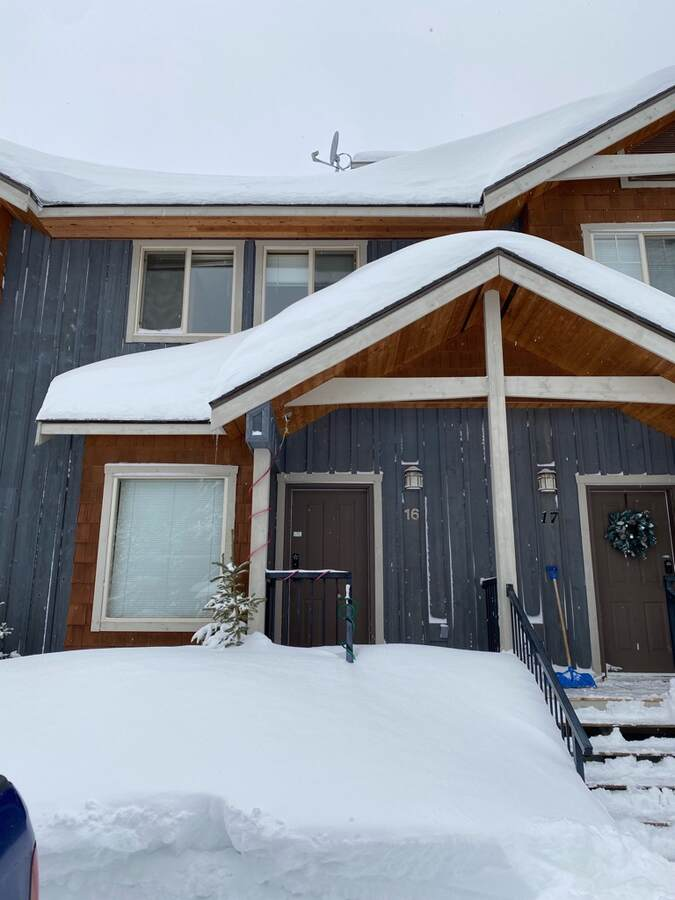 Townhouse / Recreational Property For Sale in Apex Mountain Resort, BC - 3 bed, 3 bath