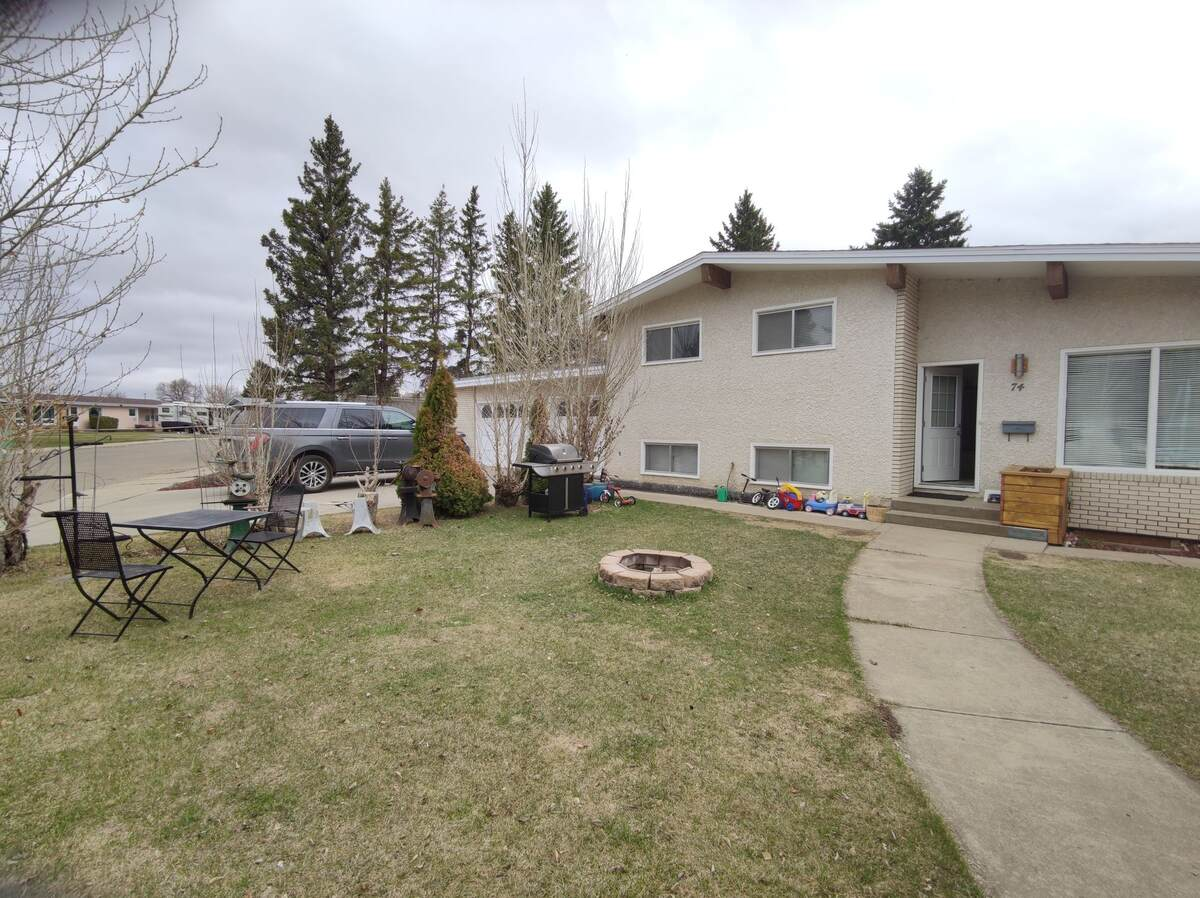 House For Sale in Yorkton, SK - 3 bed, 2 bath