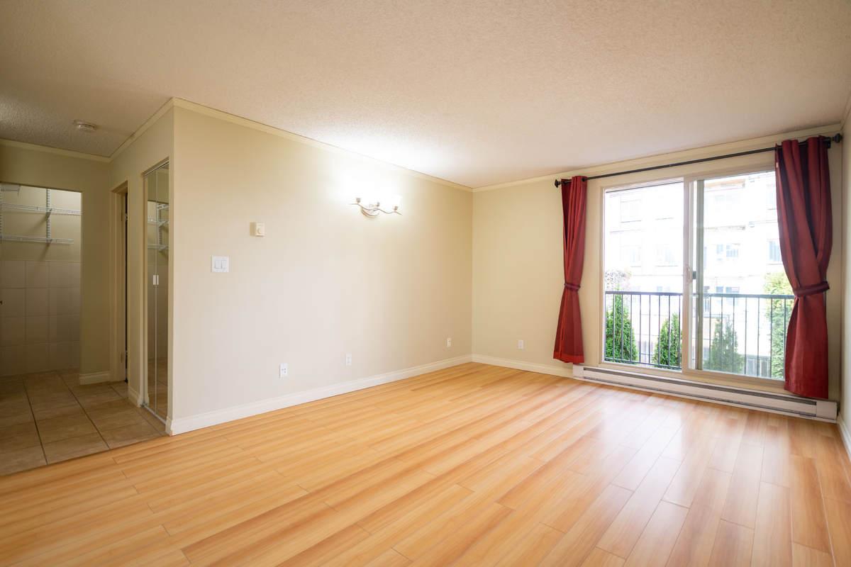 Condo / Apartment For Sale in Coquitlam, BC - 1 bed, 1 bath