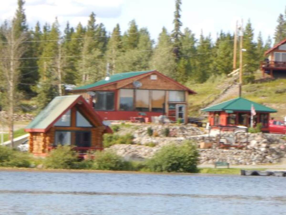 Business with Property / Business / Land with Building(s) / Revenue Property / Waterfront Property For Sale on Nimpo Lake, BC - 4 bed, 1 bath