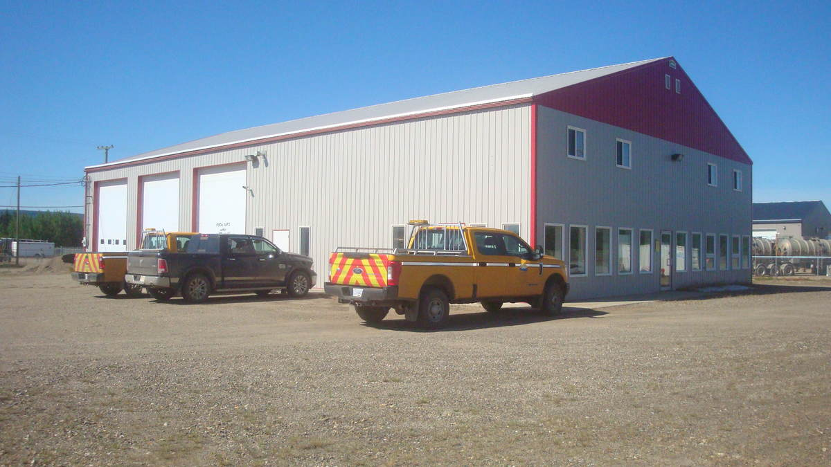 Land with Building(s) / Business / Business with Property / Commercial Space For Lease in Dawson Creek, BC - 0 bed, 2 bath