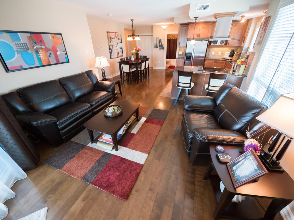 Condo For Sale in Edmonton, AB - 2 bed, 2 bath