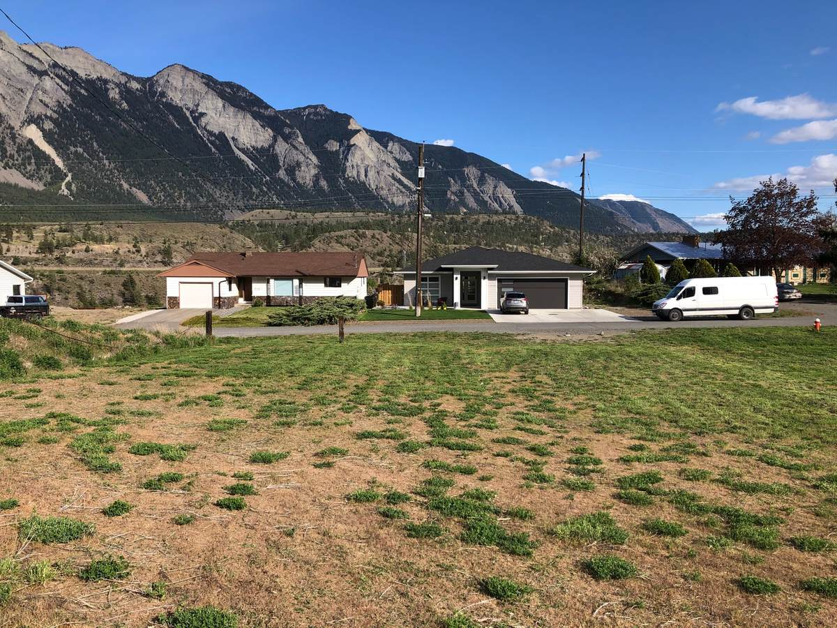 Building Lot / Empty Lot / Land For Sale in Lillooet, BC