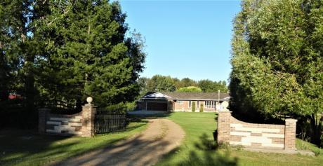 Acreage For Sale in Sherwood Park, AB - 3 bdrm, 3.5 bath (51528 Range Road 221)