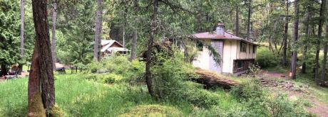 Acreage For Sale in Highlands, BC - 3+2 bdrm, 3 bath (912 Finlayson Arm Road)