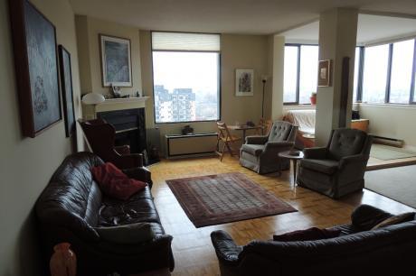 Condo For Sale in Ottawa, ON - 2 bdrm, 1.5 bath (1203, 40 Arthur Street)