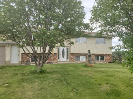 Acreage / House For Sale in Parkland County, AB - 3+3 bdrm, 2.5 bath (6, 53227 Range Road 14)