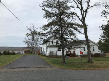 Waterfront Property / Acreage / House For Sale on Coles Island, NB - 3 bdrm, 2.5 bath (269 Route 715)