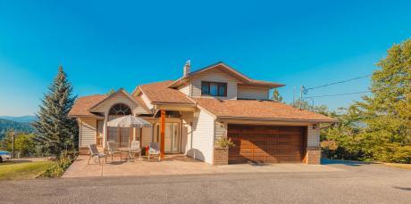 Acreage For Sale in Enderby, BC - 5+1 bdrm, 4 bath (1511 Johnston Avenue)