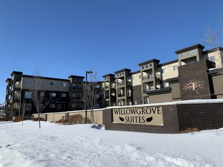 Condo For Sale in Saskatoon, SK - 2 bdrm, 2 bath (209, 115 Willowgrove Crescent)