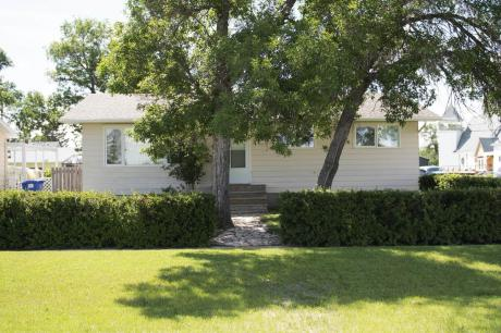 House For Sale in Lang, SK - 3+1 bdrm, 2 bath (311 Victoria Street)