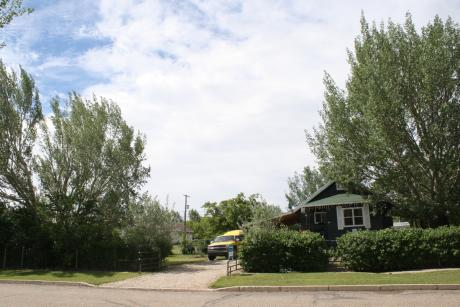 House / Detached House For Sale in Willow Bunch, SK - 3 bdrm, 1 bath (#16 4th Street)