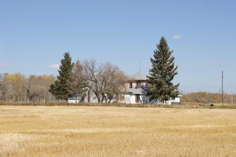 Farm For Sale in Birtle, MB - 5 bdrm, 2 bath (NW 11-17-27 W1)