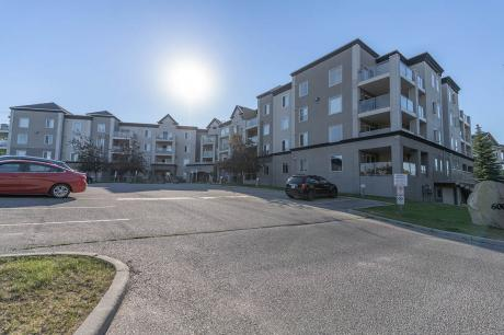 Condo / Apartment For Sale in Calgary, AB - 2 bdrm, 2 bath (202, 6000 Somer Vale Ct Sww)